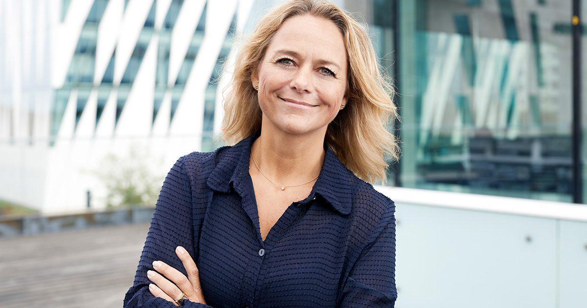 Billede af Jane Frederikke Land, der er ordstyrer på konferencen Frivillige Fødevareanprisninger. Læs et interview om grøn markedsføring.